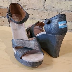 Toms Sienna Silver Wedge, size 9